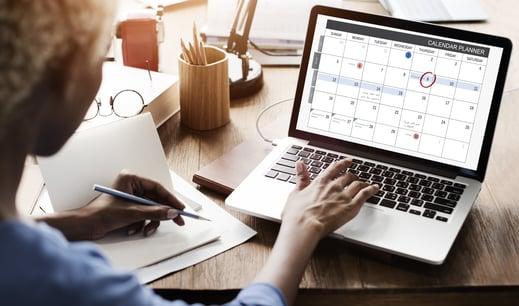 Female-Calendar-Laptop-Planner